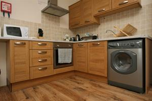 Estate Agents in Cardiff : 4 Let : 2 Bedroom Flat Share : Roath, Cardiff : £700 pcm : Click here for more details on this property