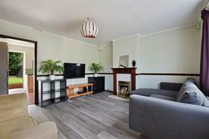 1 Kingsley Avenue Englefield Green, Egham