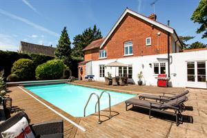 CONTRACTS EXCHANGED !  10 Station Road, Wraysbury, Staines, TW19 5NE