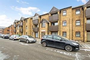 NEW INSTRUCTION...8 Hawthorne Court, Hawthorne Way, Stanwell, Staines, TW19 7NQ