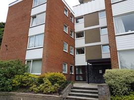 Estate Agents in Sunninghill : Beverley Williams : 2 Bedroom Apartment : Sunninghill : £1,100 pcm : Click here for more details on this property