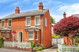 Estate Agents in Sunninghill : Beverley Williams : 2 Bedroom Semi-Detached House : Sunninghill : £475,000 : Click here for more details on this property