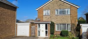 Estate Agents in Sunninghill : Beverley Williams : 3 Bedroom Detached House : Bracknell Outskirts : Guide Price £425,500 : Click here for more details on this property
