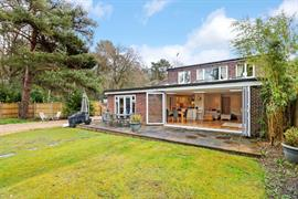 Estate Agents in Sunninghill : Beverley Williams : 3 Bedroom Semi-Detached House : North Ascot : £2,000 pcm : Click here for more details on this property