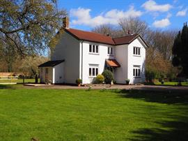 Estate Agents in Salisbury : Baxters : 4 Bedroom Country House : Alton Parva, Figheldean : Guide Price £750,000 : Click here for more details on this property