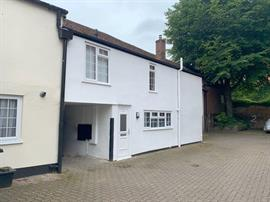 Estate Agents in Salisbury : Baxters : 2 Bedroom Mews : Salisbury : Guide Price £220,000 : Click here for more details on this property