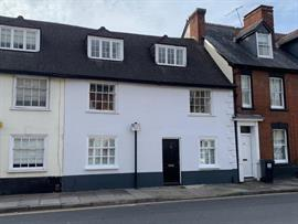 Estate Agents in Salisbury : Baxters : 4 Bedroom Town House : Salisbury : Guide Price £465,000 : Click here for more details on this property