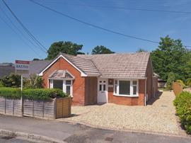 Estate Agents in Salisbury : Baxters : 4 Bedroom Detached Bungalow : Alderbury : Guide Price £495,000 : Click here for more details on this property