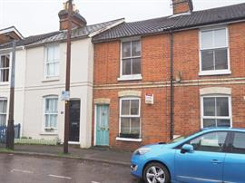 Estate Agents in Salisbury : Baxters : 2 Bedroom Terraced House : Salisbury : Guide Price £219,500 : Click here for more details on this property
