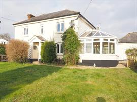 Estate Agents in Salisbury : Baxters : 4 Bedroom Detached House : Winterslow, Salisbury : Guide Price £495,000 : Click here for more details on this property