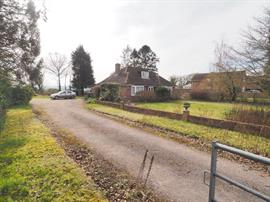 Estate Agents in Salisbury : Baxters : 3 Bedroom Detached Bungalow : Faberstown, Ludgershall, Andover : POA : Click here for more details on this property