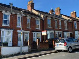 Estate Agents in Salisbury : Baxters : 2 Bedroom Terraced House : Salisbury : Guide Price £280,000 : Click here for more details on this property