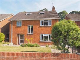 Estate Agents in Salisbury : Baxters : 4 Bedroom Detached House : Harnham, Salisbury : Guide Price £545,000 : Click here for more details on this property