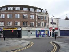 Estate Agents in Slough : Focus Commercial : 0 Bedroom Shop : 109 High Street Slough Berks    A1/A2 SHOP TO LET : £29,000 pa : Click here for more details on this property