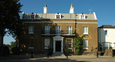 Upper Garden Suite, Craven House, Hampton Court : Click here for more details on this property