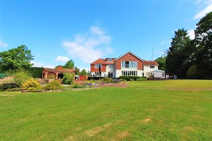 Houses Flats For Sale In Hampshire From Pearsons Estate Agents