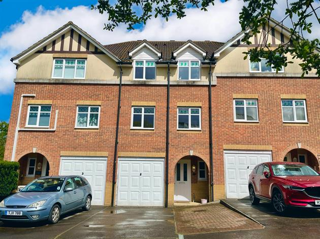 *Stunning Family Home* West End, Southampton