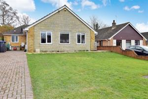 Estate Agents in Amesbury : Simon Colligan : 4 Bedroom Chalet : Allington, Salisbury, SP4 0BU : £399,950 : Click here for more details on this property